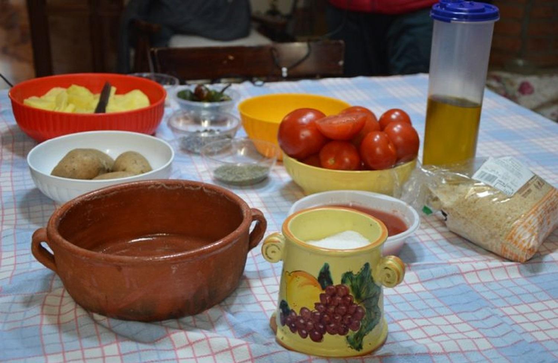 U testu o furnu – Pietanza cotta nel contenitore ceramico